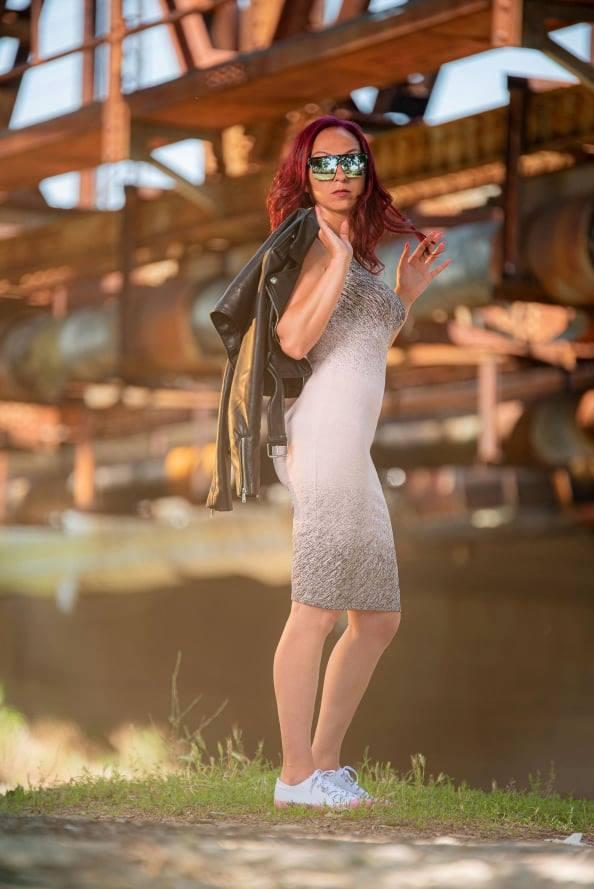 Спортно-елегантна рокля ZeroX с миди дължина 304